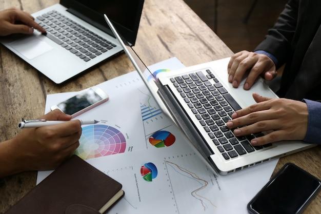 Draufsichtbankergeschäftsmann-leutegruppenfunktion
