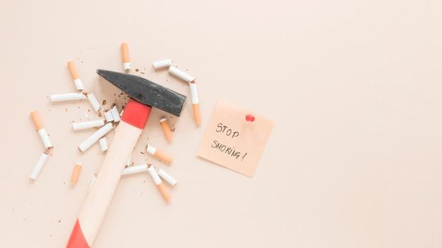 Draufsichthammer mit zigaretten