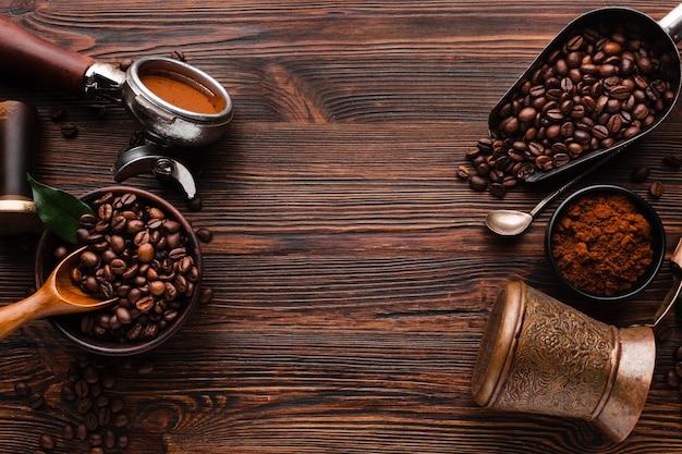 Draufsichtkaffeezubehör auf dem tisch
