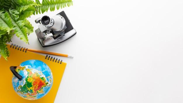Draufsichtmikroskop und schulgegenstände