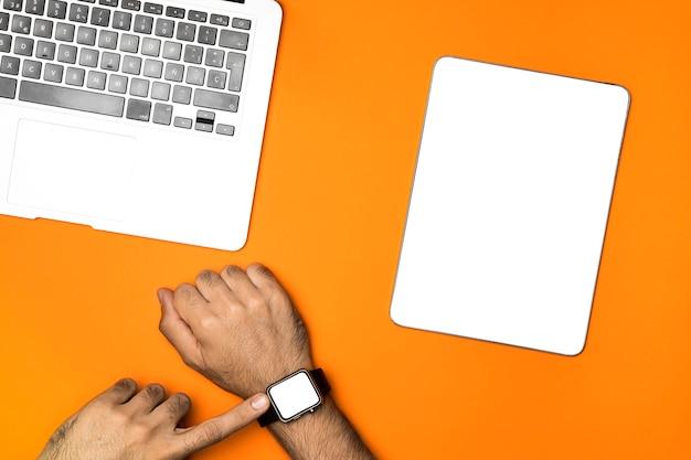 Draufsichtmodellgeräte mit orange hintergrund