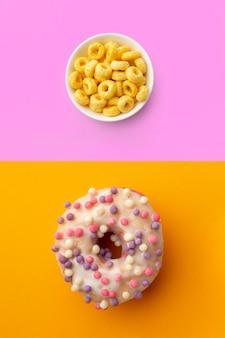 Draufsichtmüslischüssel und -donut