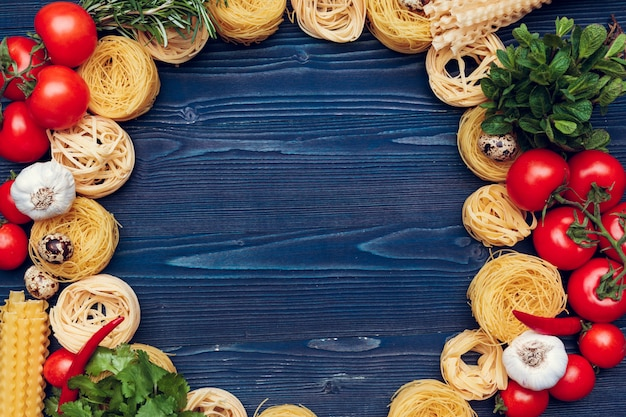 Draufsichtnahaufnahmedetail von bandnudeln-italienerteigwaren