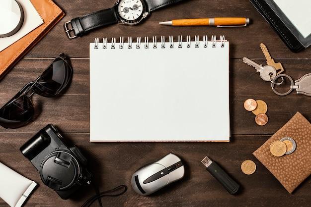 Draufsichtsortiment verschiedener reiseelemente