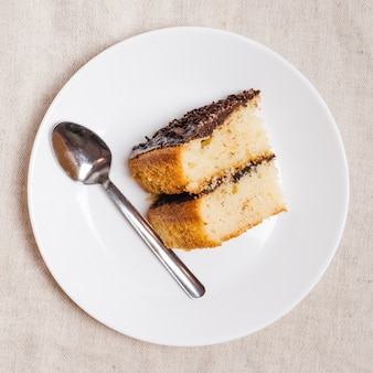 Draufsichtstück schokoladenkuchen