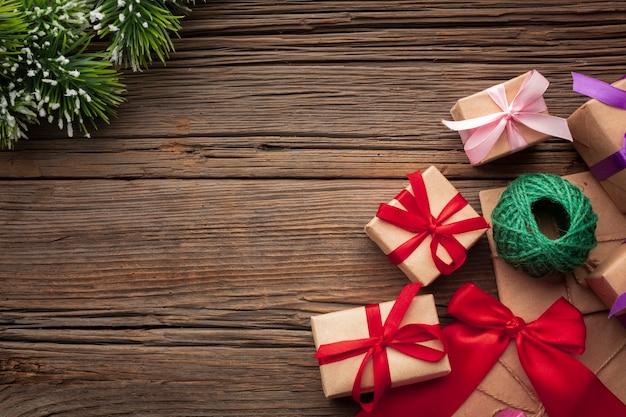 Draufsichtweihnachtsgeschenke mit kopienraum