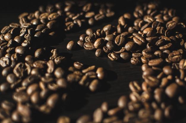 Drawed form in kaffeebohnen
