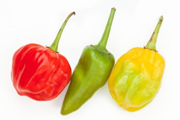 Drei chiles in einer reihe