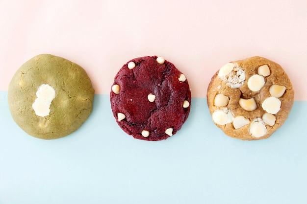 Drei hausgemachte kekse, die das leckerste dessert sind