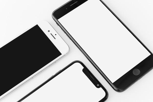 Drei smartphones