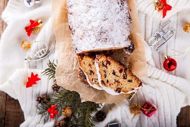 Dresdnen stollen weihnachtsfruchtkuchen