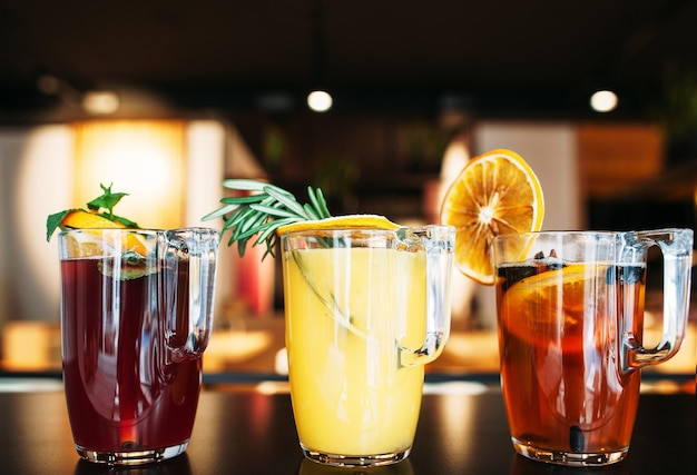Drink punch sangria glintwein grog weinparty feier freundschaft spaß konzept