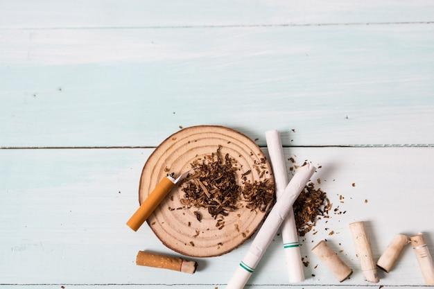 Drogen zerstören das familienkonzept. hören sie auf zu rauchen für das leben auf dem welt-kein-tabak-tag-konzept. welt kein tabaktag.