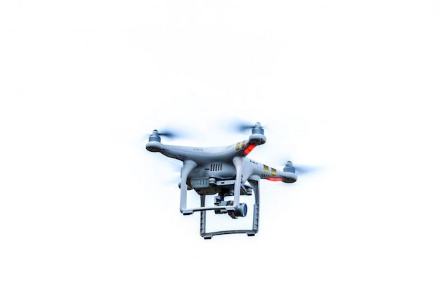 Drohne schwebt isoliert