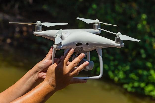 Drohne zeichnet ein high angle-bild auf
