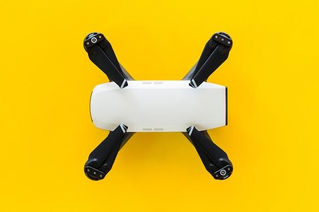 Drohnen mit kleinen weißen.
