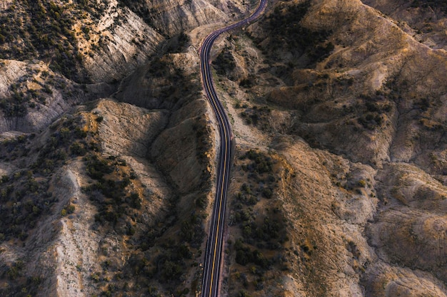 Drohnenaufnahme einer malerischen route