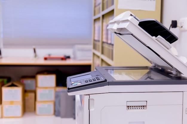 Druckerscanner-laserkopiermaschinenversorgungen im büro.