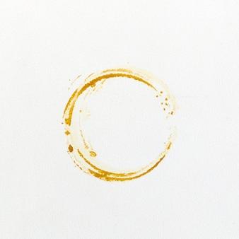Druckt kaffeeflecke auf weißem hintergrund