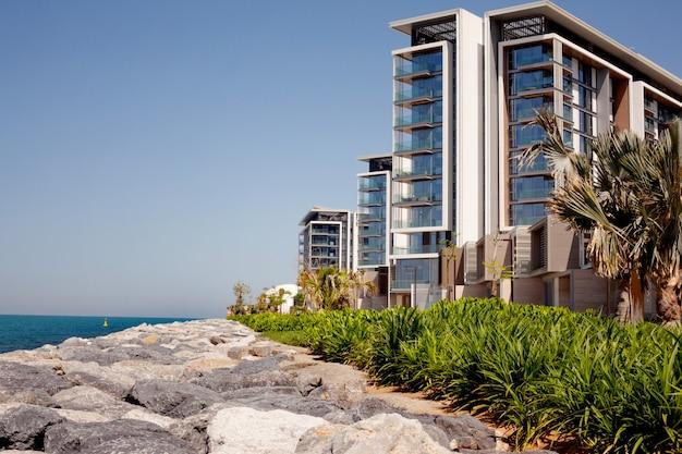 Dubai blue water wohngebäude