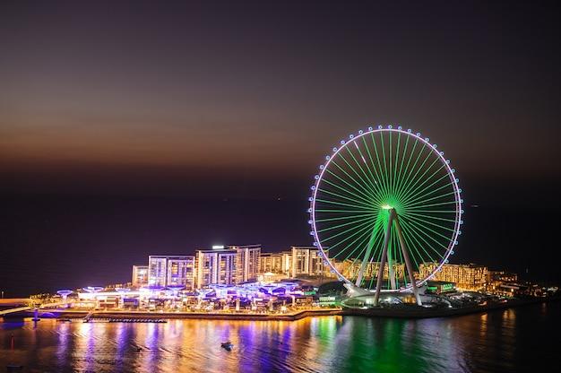Dubai, vereinigte arabische emirate, 25. dezember 2020 blue water island auf jumeirah beach residence. sonnenuntergangszeit
