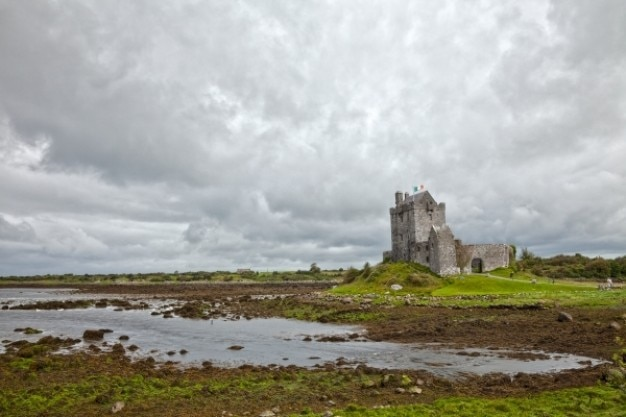 Dunguaire castle hdr