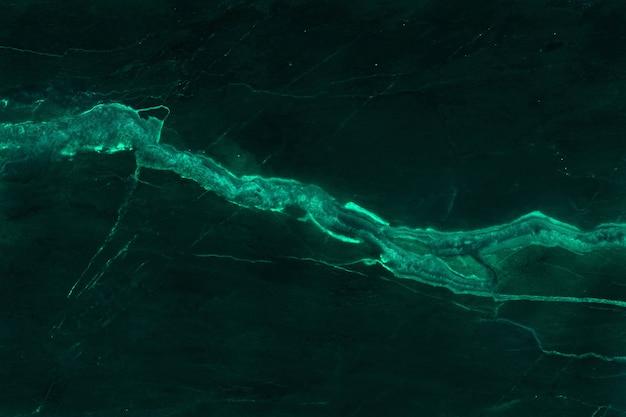 Dunkelgrüne marmorbeschaffenheit mit hoher auflösung, draufsicht des naturfliesensteins