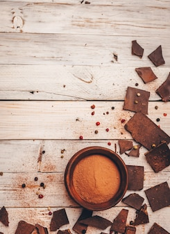 Dunkle schokolade ohne zucker und ohne gluten für diabetiker und allergiker