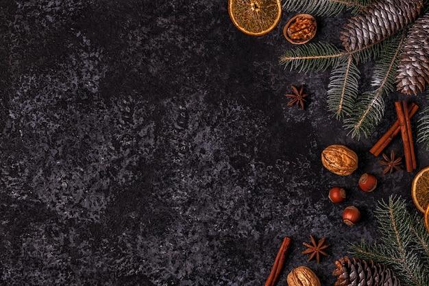 Dunkler steinhintergrund weihnachten