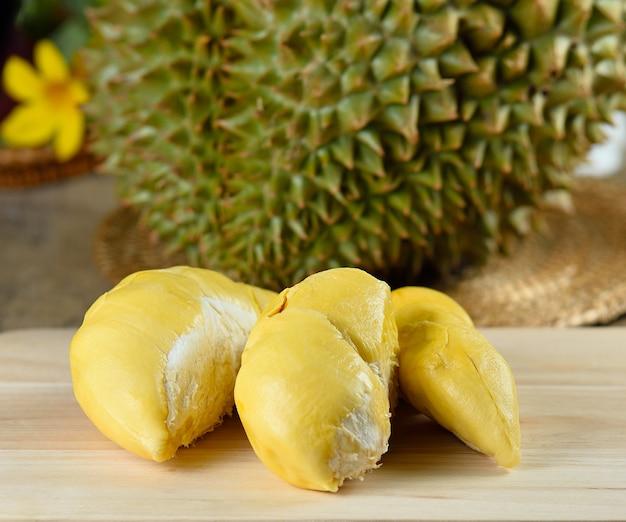 Durian tropischer früchte