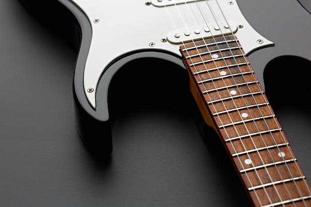 E-gitarre nahaufnahme, niemand. streichmusikinstrument, electro-sound, elektronische musik, ausrüstung für bühnenkonzerte