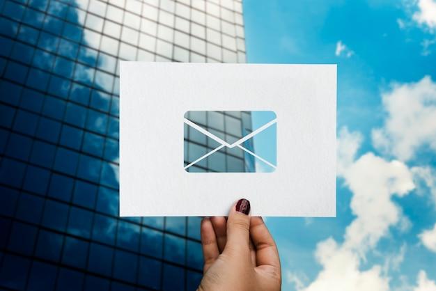 E-mail-netzwerkkommunikation perforierter papierbrief