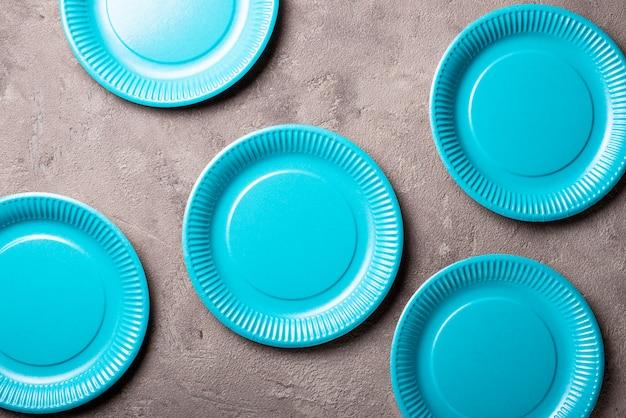 Eco freundliche blaue pappteller