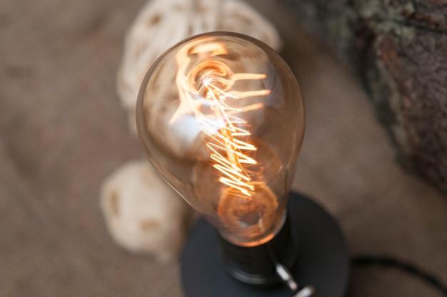 Edison lampe im innenraum.