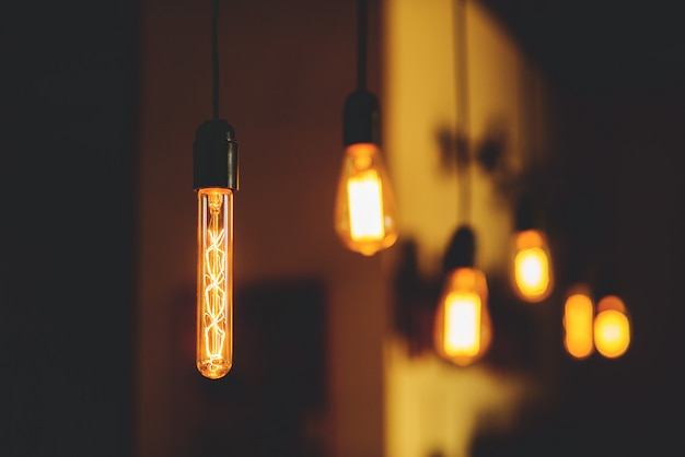 Edison-lampen hängen