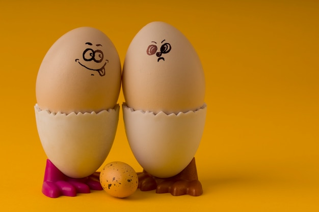 Eggs comic happy angry gesicht