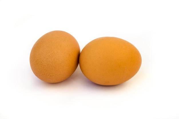 Ei isoliert auf weißem ausschnitt