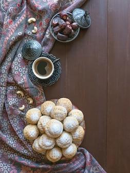 Eid und ramadan dates sweets - arabische küche. ägyptische kekse