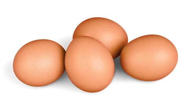 Eier isoliert auf weißem hintergrund.