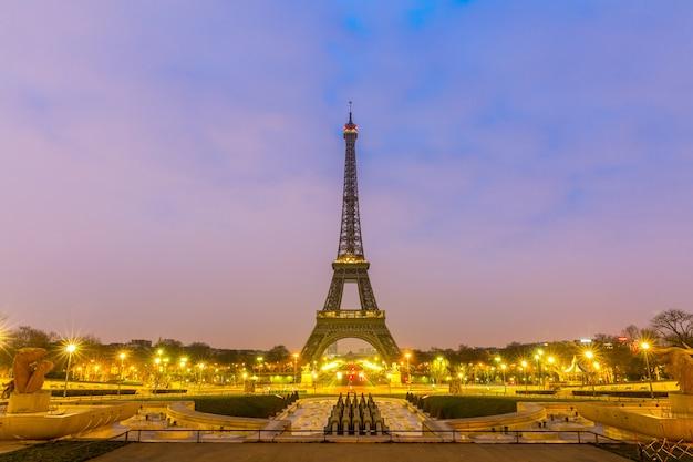 Eiffelturm sonnenaufgang