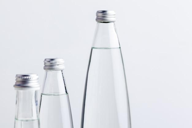 Ein abschluss herauf schuss einer wasserflasche