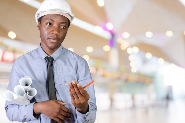 Ein afroamerikaner-bauarbeiter des schwarzen mannes
