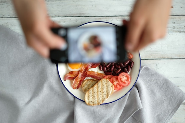 Ein foto des englischen frühstücks machen