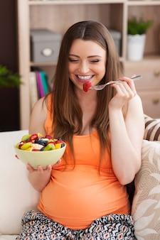 Ein gesunder lebensstil während der schwangerschaft ist sehr wichtig