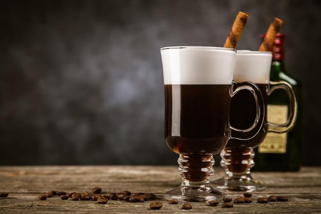 Ein glas irish coffee
