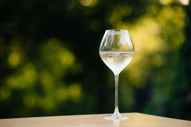 Ein glas weisswein