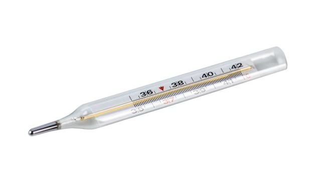 Ein glasthermometer zum messen der temperatur des menschlichen körpers, weißer hintergrund.