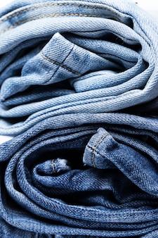 Ein haufen jeans