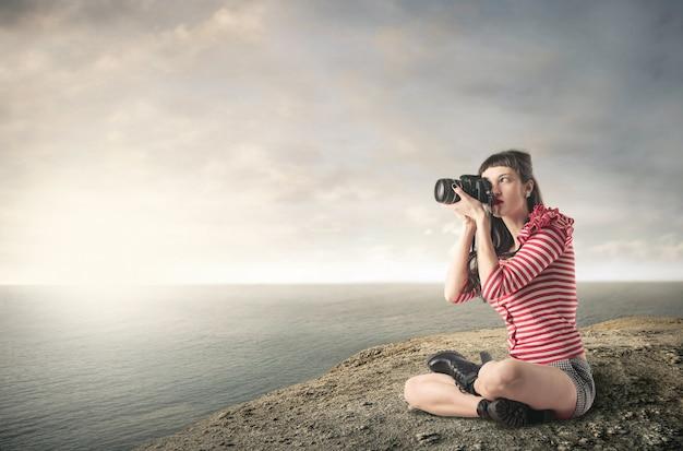 Ein junger fotograf