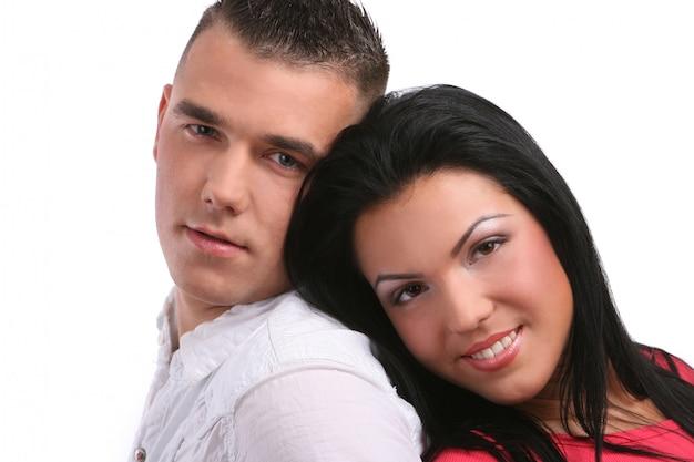 Ein junges und attraktives glückliches paar